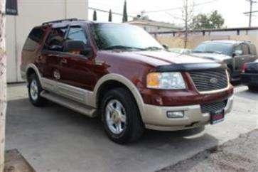 Se ofrece 2005 ford expedition luxury muy bien cuidado.