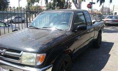 Muy poco uso vendo pickup toyota tacoma 97 excelente auto!